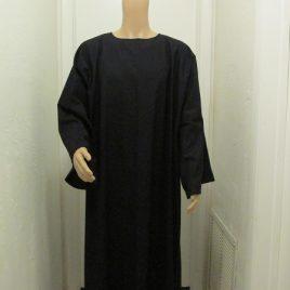 Tau Robe- basic black