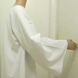Tau Robe – basic white